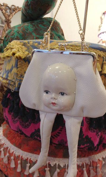 kewpie doll on legs kitsch macabre doll taxidermy purse surreal avant garde and creepy fun fashion Strange Girl: Ahcahcum Muchacha: My Newest (not so new) Obsession Kitsch, Objet Wtf, Creepy Cute, Scary, Creepy Dolls, Doll Parts, Cursed Images, Doll Head, Doll Face