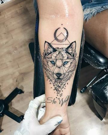 Un Significado De Tatuaje De Lobo Y 5 Conceptos Catalogo De Tatuajes Para Hombres Tatuajes De Lobos Tatuajes Tatuajes Con Significado