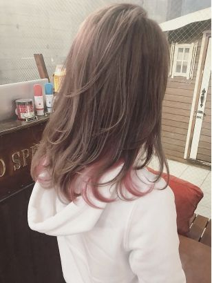 インナーカラー ラベンダーベージュ ヘアスタイル 髪型 ヘア