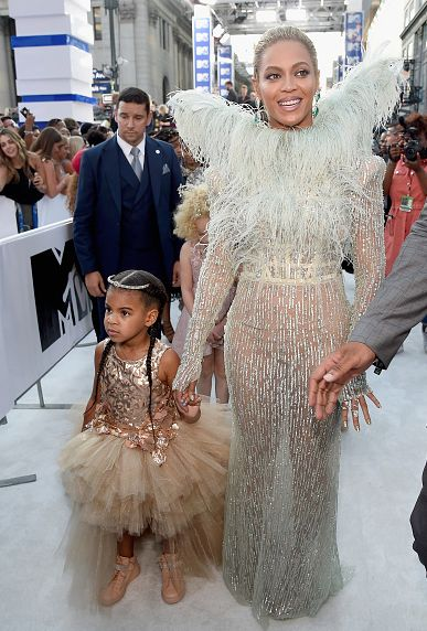 Beyoncé and daughter Blue Ivy Carter attend the 2016 MTV Video Music Awards at…