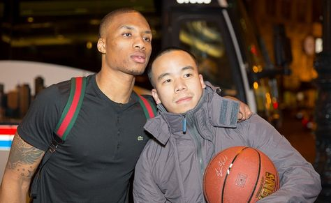 Nba Star Damian Lillard S Everythangggg Hug From 1 Year Old Son With Images Nba Stars Damian Lillard Nba
