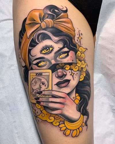 Browse best neo_traditional tattoos for men & women. Find inspiration for your next tattoo & book an artist Hand Tattoos, Tattoos Skull, Body Art Tattoos, Cool Tattoos, Amazing Tattoos, Traditional Tattoo Portrait, Traditional Tattoo Woman, Traditional Tattoos, Traditional Tattoo Sleeves