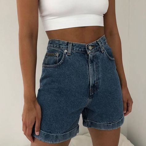 Styling Vintage Shorts - Vintage jeans - Best Picture For Crop Tops lehenga Vintage Shorts, Vintage High Waisted Shorts, Vintage Outfits, Vintage Jeans, Fashion Vintage, High Waisted Shorts Outfit, Modest Shorts, Crop Top And High Waisted Shorts, Denim Shorts Outfit