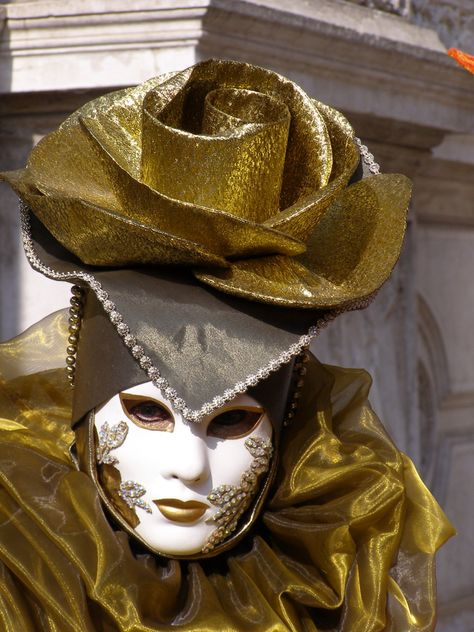 The Gold Rose hat. Venice Carnival 2015 by Lesley McGibbon