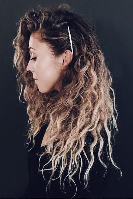 17 Beautiful Ways To Style Blonde Curly Hair Easy Hairstyles For Long Hair Curly Hair Styles Naturally Curly Hair Styles