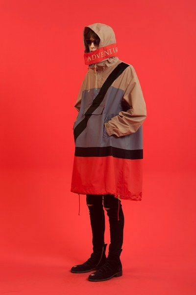 See the complete Undercover Spring 2015 Menswear collection.