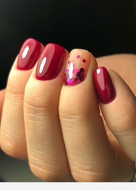 Short burgundy nails -  #Gelnails #DIYiPhoneCases