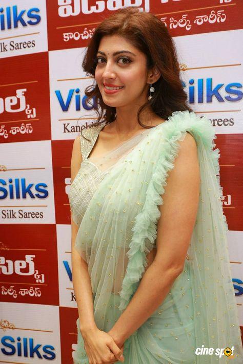Pranitha at Videos Silks Showroom Launch (2)