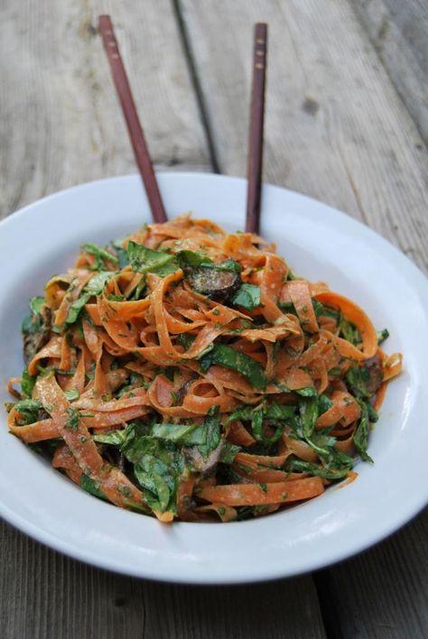 Raw food - Carrot Ribbon Pasta Bowl with Coconut Almond Satay. Yum! #rawfood