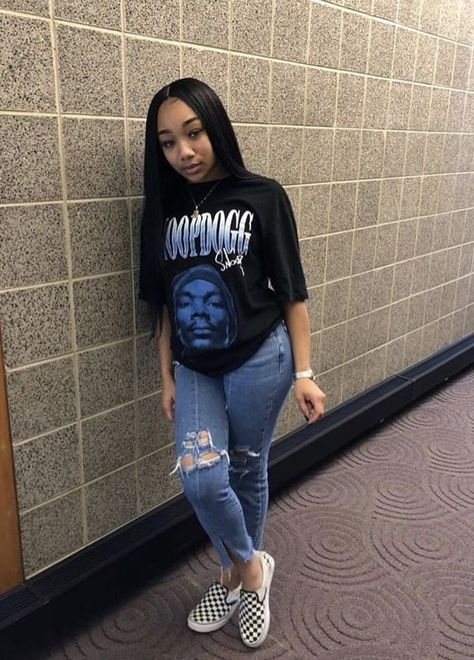 chill outfits, outfits for teens, lit outfits, high school outfits,