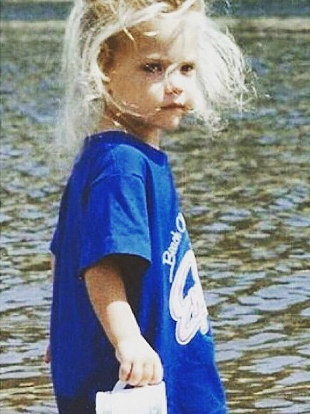 This beach baby grew up to make waves on the small screen. #ashleybenson
