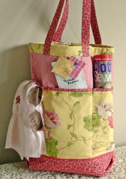 The Shopper's Fancy Tote free pattern @ craftsy.com