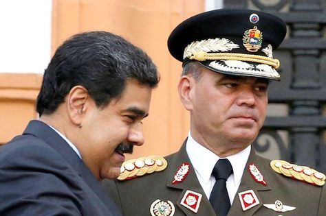 Padrino López causa revuelo con sus polémicos documentos - http://wp.me/p7GFvM-D0Z