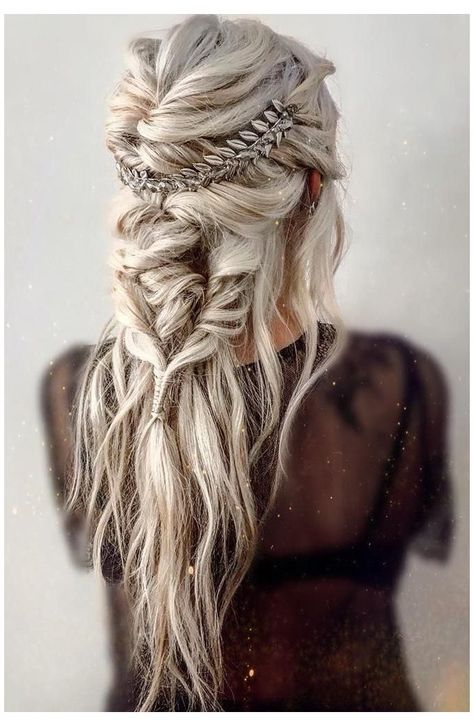 Messy Braided Hairstyles, Easy Summer Hairstyles, Messy Braids, Bride Hairstyles, Fall Hairstyles, Amazing Hairstyles, Hairstyle Ideas, Boho Hairstyles For Long Hair, Heart Hairstyles