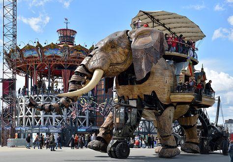 Giant walking elephant in France at Le Carrousel des Mondes Marins et le Grand Eléphant - © Jean-Dominique Billau