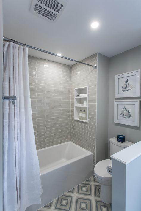 Small Bathroom Renovations 66076319518048132 - This bathroom got a mega makeover! Bathroom Tub Shower, Hall Bathroom, Upstairs Bathrooms, Bathroom Renos, Bathroom Interior, Bathroom Cabinets, Master Bathroom, Bathroom Mirrors, Bathroom Fixtures