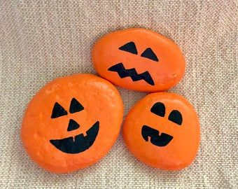 Halloween On The Rocks 2020 Charming Bumble Bee Painted Rocks in 2020 | Ladybug rocks, Painted