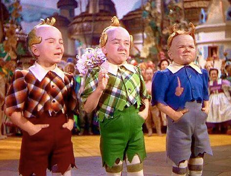 New Wizard of Oz Animation   wizard-of-oz-munchkins