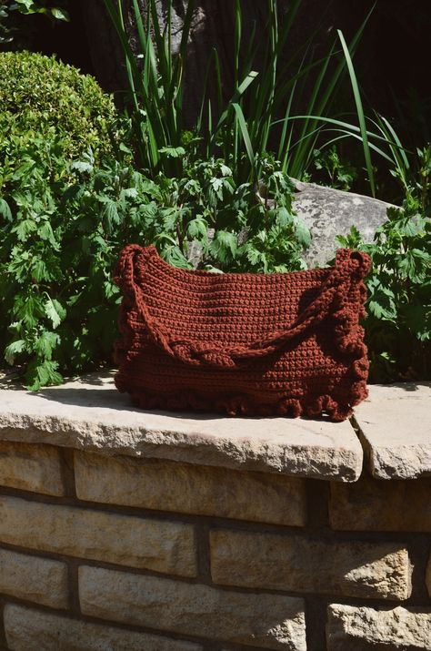The Susanne Shoulder bag in colour Brownie 100% Cotton yarn Approx measurements 28x18 cm11x7 inches