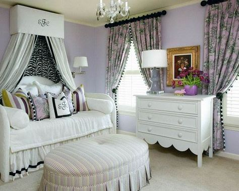Fantastisch Gorgeous White Beds With Zebra Curtains And Lilac Theme