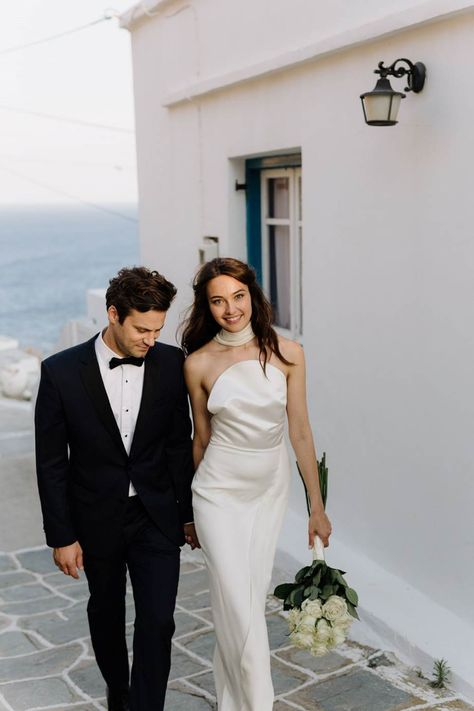 This real bride had her wedding on the Greek island of Sifnos and it was a sun-drenched, sunny dream.