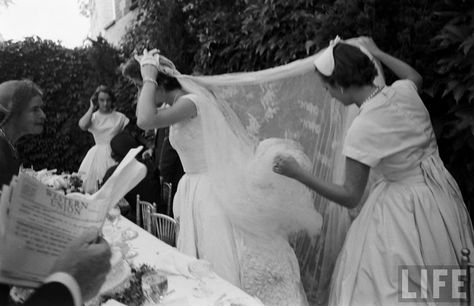 THE WEDDING OF JOHN F. KENNEDY AND JACQUELINE BOUVIER, SEPTEMBER 12, 1953