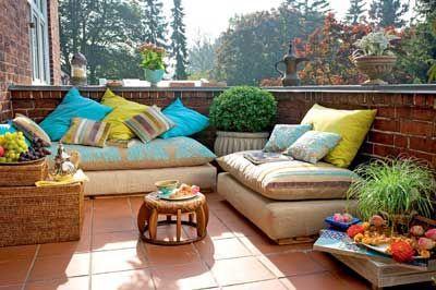 Orientalisch Einrichten Orientalische Kissen Auf Dem Balkon Wohnen Garten Orientalische Kissen Balkon Dekor Raum Im Freien