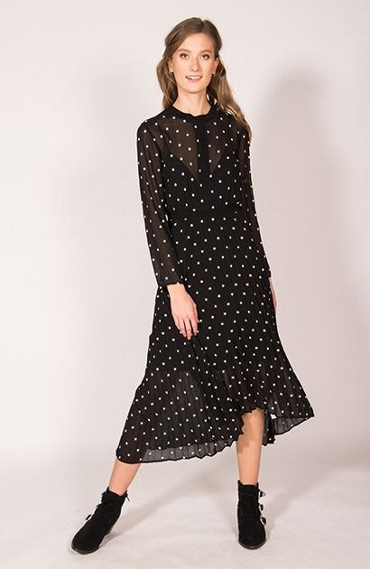 maje robe en soie noire manches asymétriques