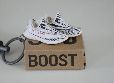 Yeezy Boost 350 V2 Zebra 3D Keychain   Yeezy boost, Yeezy