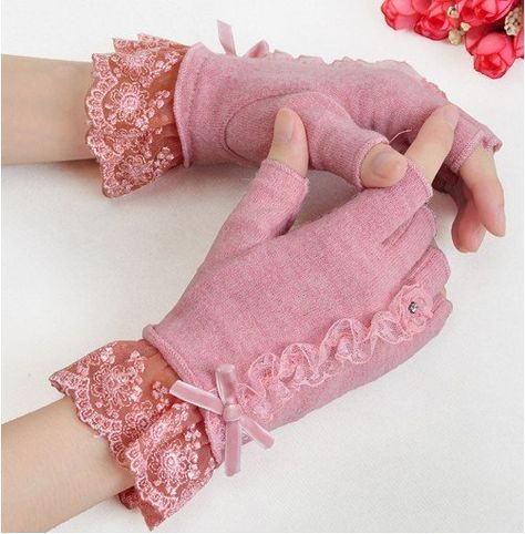 semi-finger lace lucy refers to thermal wool gloves autumn and winter 2012 women's mittens Pink Gloves, Wool Gloves, Lace Gloves, Mitten Gloves, Victorian Shirt, Glove Liners, Gloves Fashion, Vintage Gloves, Lace Cuffs