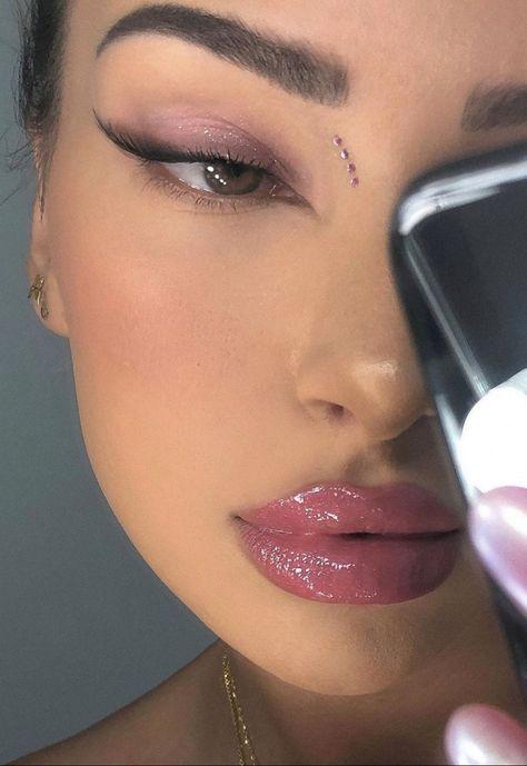 New Year's Makeup, Edgy Makeup, Baddie Makeup, Makeup Eye Looks, Eye Makeup Art, Cute Makeup, Makeup Goals, Pretty Makeup, Skin Makeup