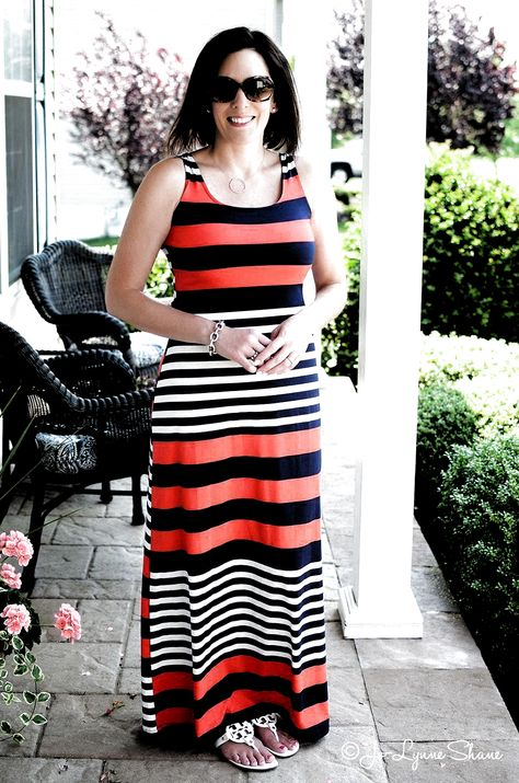 over 50 spring outfits women 0051 #over50springoutfitswomen #40yearoldwomensfashionover40mom