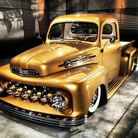 1952 FORD CUSTOM ..SWEET!!