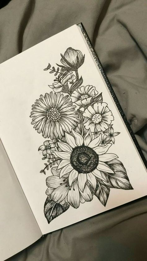 Passionflower over sunflower and poppies on the right with lavender - diy tattoo images - Passion flower over sunflower and poppy on the right with lavender - Diy Tattoo, Henna Tattoo Designs, Flower Tattoo Designs, Tattoo Ideas, Tattoo Hand, Tattoo Moon, Tattoo Themes, Compass Tattoo, Trendy Tattoos