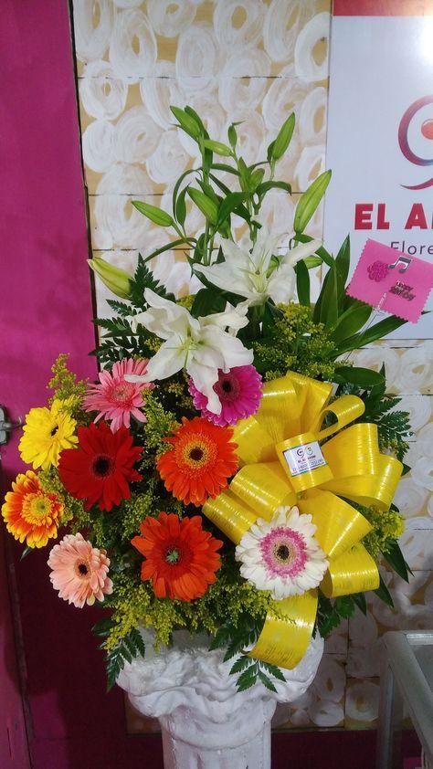 Arreglo Floral De Gerberas Con Lirios Para Cumpleaños Telf