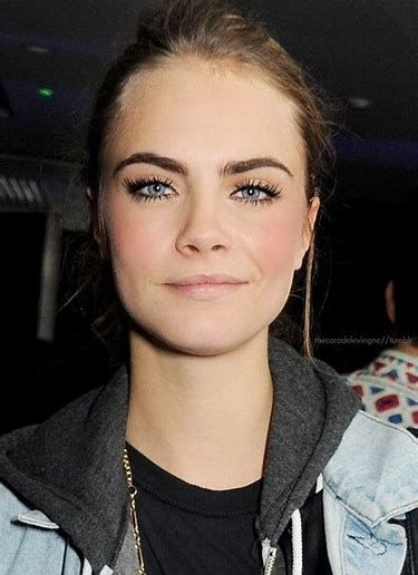 full brows and big lashes// Cara Delevingne