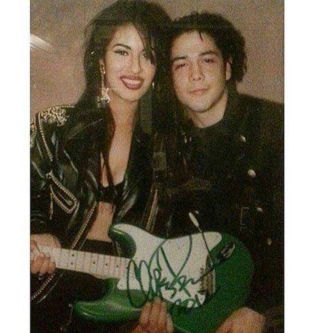 32 pics that prove Selena Quintanilla and Chris Perez were totally