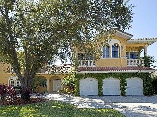 Luxurious Mediterranean Estate With Private Beach Vacation Rental In Sarasota From Homeaway Vacation Rental Vacation Rental Private Beach Vacation Sarasota