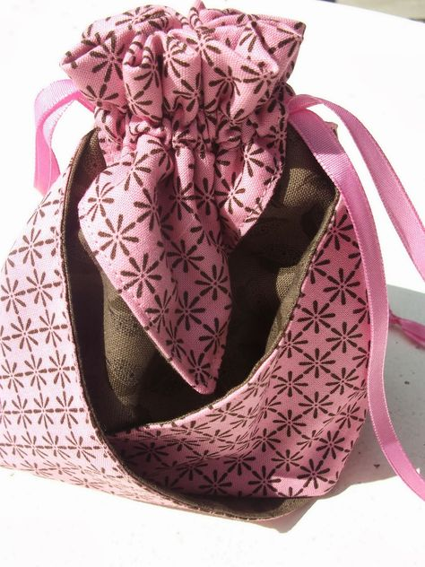 Made with my two hands: An Origami Bukuro - Fabric bag