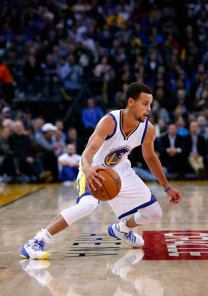 Stephen Curry Photos Photos: Detroit Pistons v Golden State Warriors
