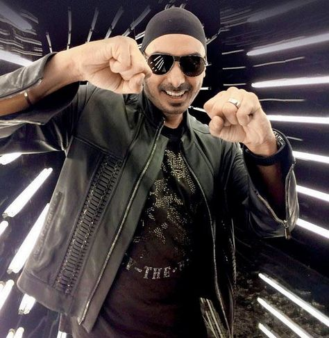 """""""Prince of Bhangra"""" Sukhbir Singh is ready to make you all tap on your feet on his super hit bhangra numbers in the World's Biggest Punjabi Music Festival Crossblade Music Festival on 24-25th February at Chimney heights resorts -Zirakpur punjab.  Free passes for the students of Aryans Group of Colleges, Chandigarh. Ask for your ticket now at www.aryans.edu.in  #GalBanGayee #Ohhohoho #NachleMereYaar #SaudaKharaKhara #BalleBalle #Sukhbir #Hits #AryansGroupofColleges #EducationPartner #Crossblade #"""