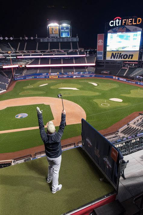Stadiumlinks At Citi Field Nyc Golfers Take On Home Of The Mets Mets Golfer Field
