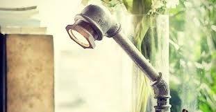 Premium e costruire una lampada riciclando tubi di plastica