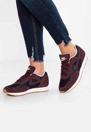 OUTBURST Sneakers laag blackburgundy crushsummit white