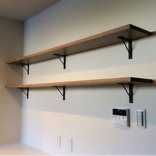 キッチンカップボード上部の飾り棚 以前投稿した飾り棚 棚受け と