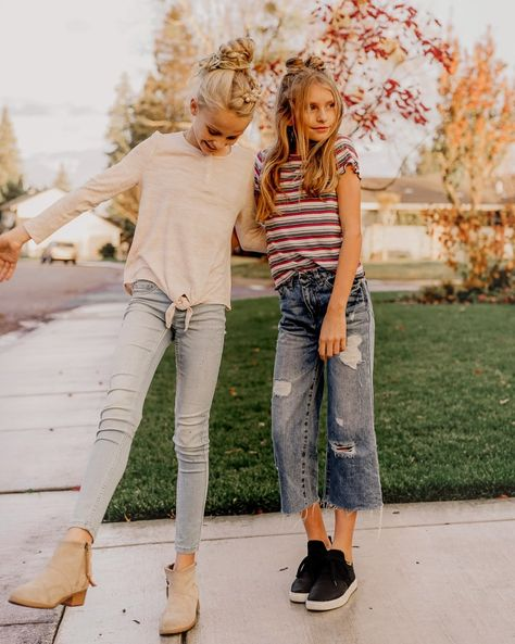 Latest Fall Outfit Ideas For Girls That Looks So Cute 29 Outfits Niños, Cute Girl Outfits, Kids Outfits Girls, Tween Girls, Fall Outfits, Trendy Outfits, Teenage Outfits, Fashion Outfits, Trendy Dresses