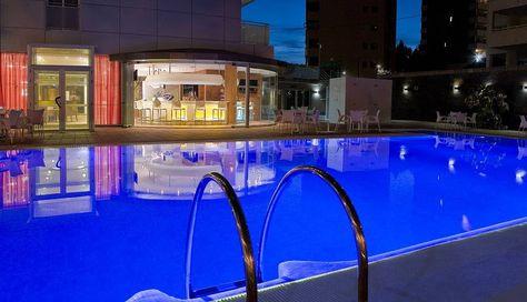 Piscina de noche - Hotel RH Royal Benidorm