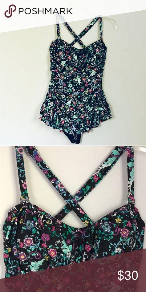 b5f1a7569 Torrid Floral Bathing Suit Torrid Floral Bathing Suit Size 2X Please check  your measurements Chest  17
