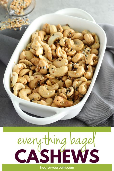 Buttery rich, with a savory crunch, these everything bagel cashews are perfect for snacking! #everythingbagel #everythingbagelcashewsrecipe #seasonedcashews #roastedcashews