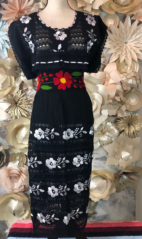 Mexican Embroidered woman's one size fits all Handmade-dress Black Frida  style- Mexican hobo hippie flower coco theme party Tehuacan mumu